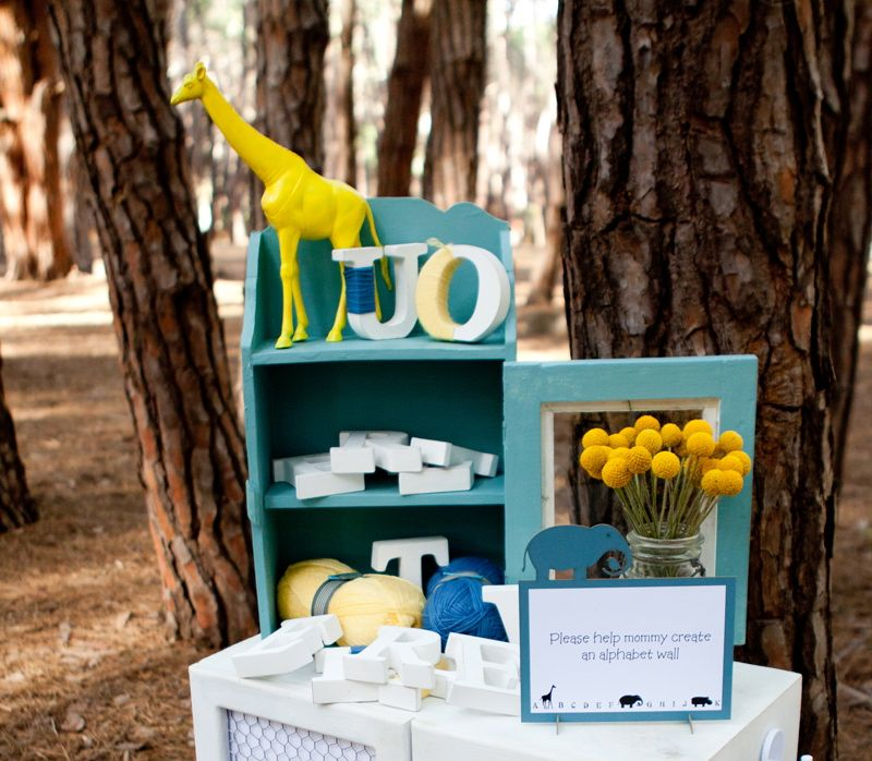 yellow-blue-giraffe-baby-shower