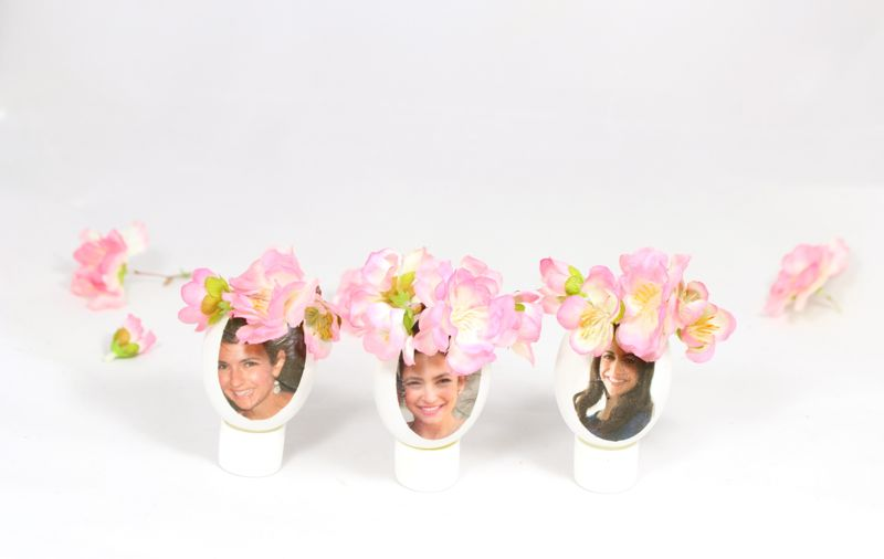 diy-photo-eggs-flower-crown-ladies-brunch-placecard