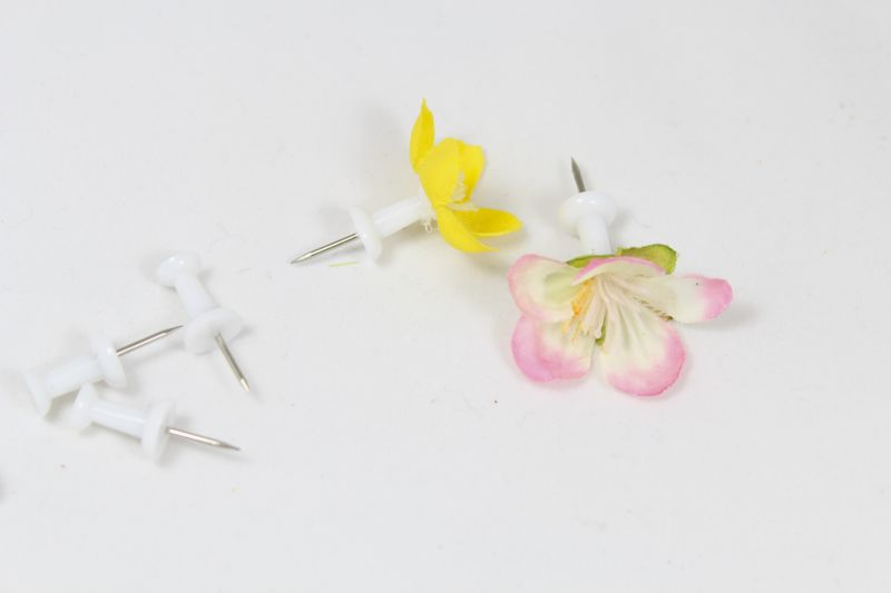 yellow-pink-flower-push-pin