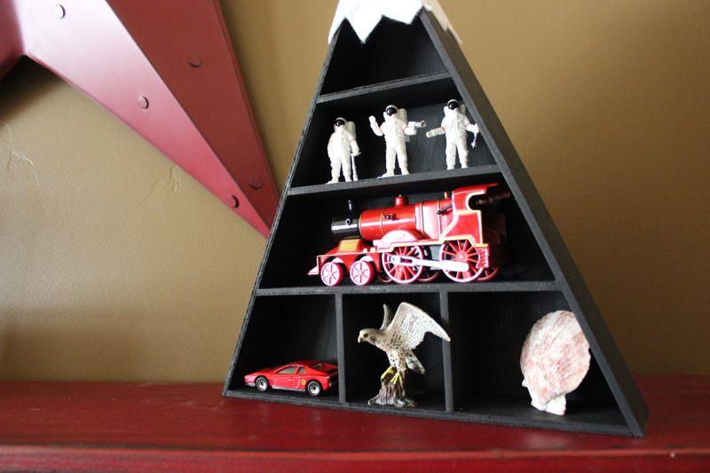 red-star-cowboy-boots-shelf-black-triangle-diy-mountain-toys