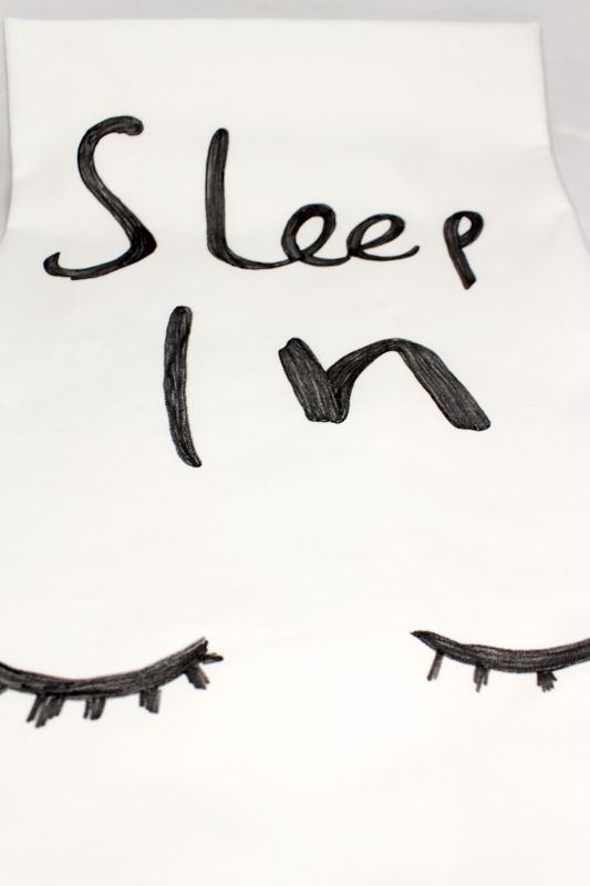 sleep-in-pillow-case-eye-lashes