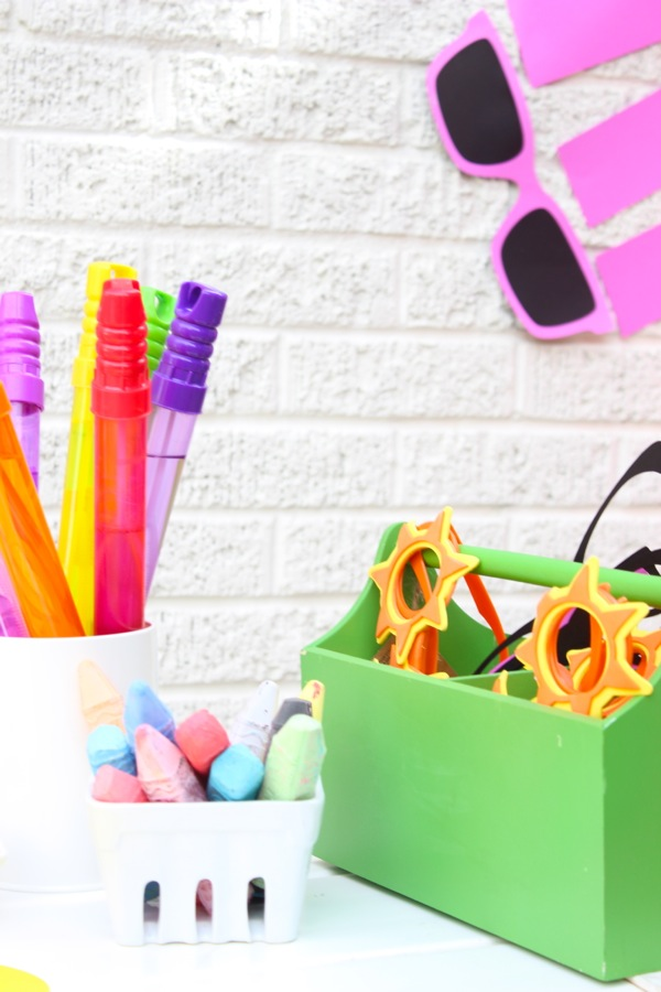 summer-fun-bubbles-chalk-glasses-for-kids