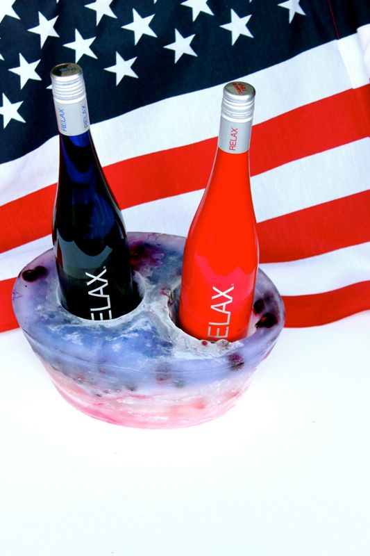 relax-wines-red-white-blue-ice-bucket-wine-cooler