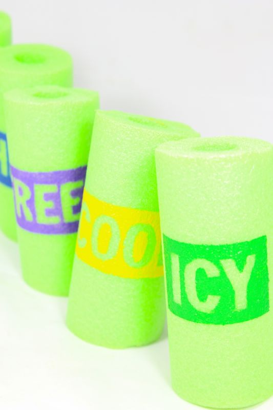 diy-typography-freezer-pop-holders-summer-craft-popsicle-fun