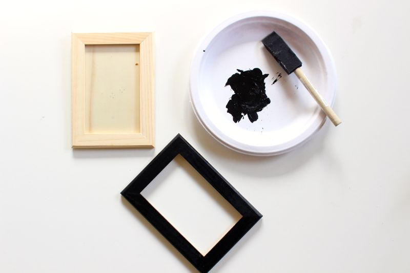 wood-and-black-frames-craft-project