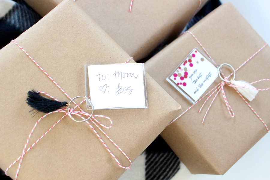 kraft-gift-wrap-with-keychain-gift-tags