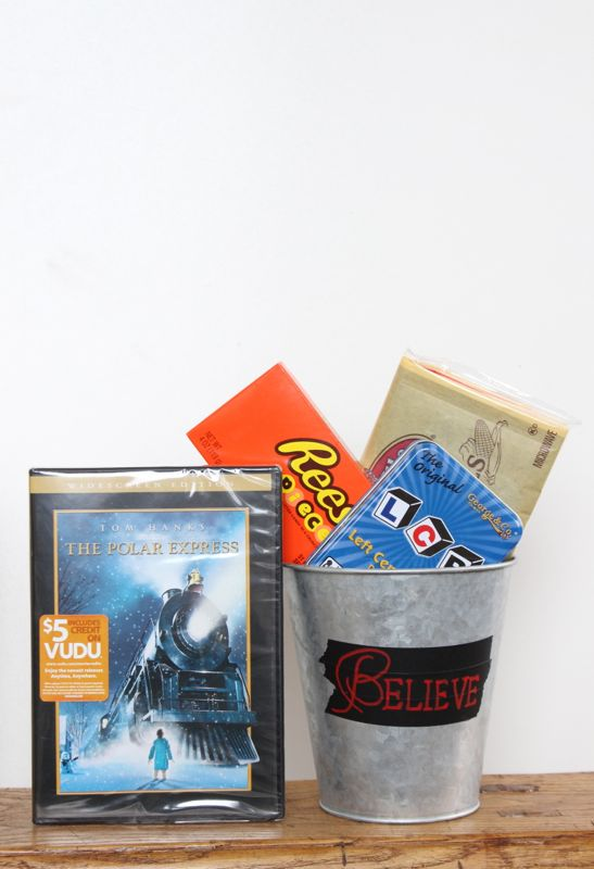 the-polar-express-game-popcorn-candy-believe-bucket-of-cheer
