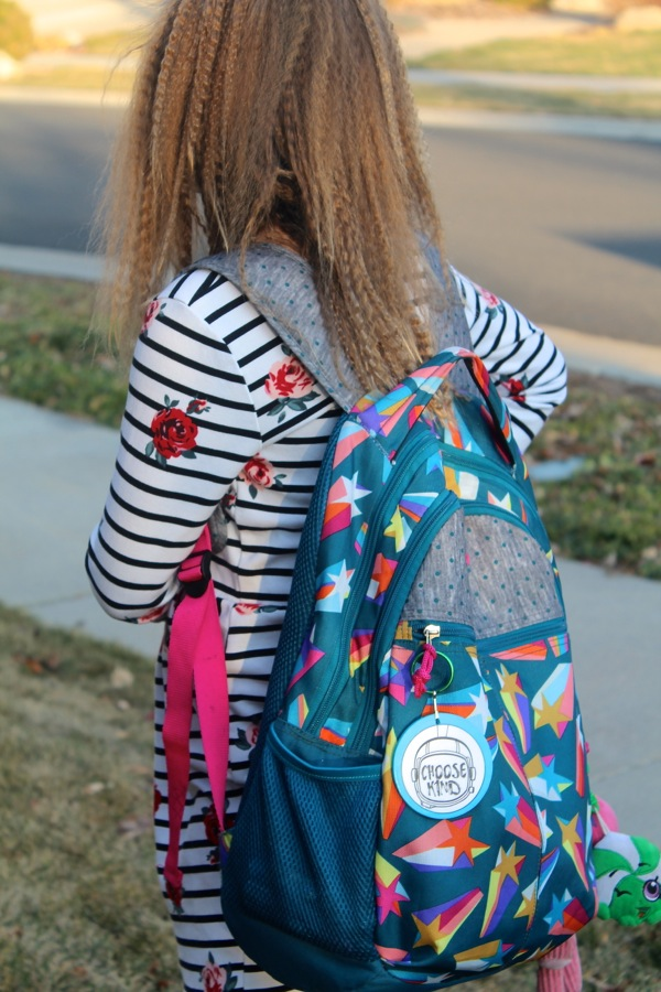 girl-with-a-backpack-and-diy-keychains