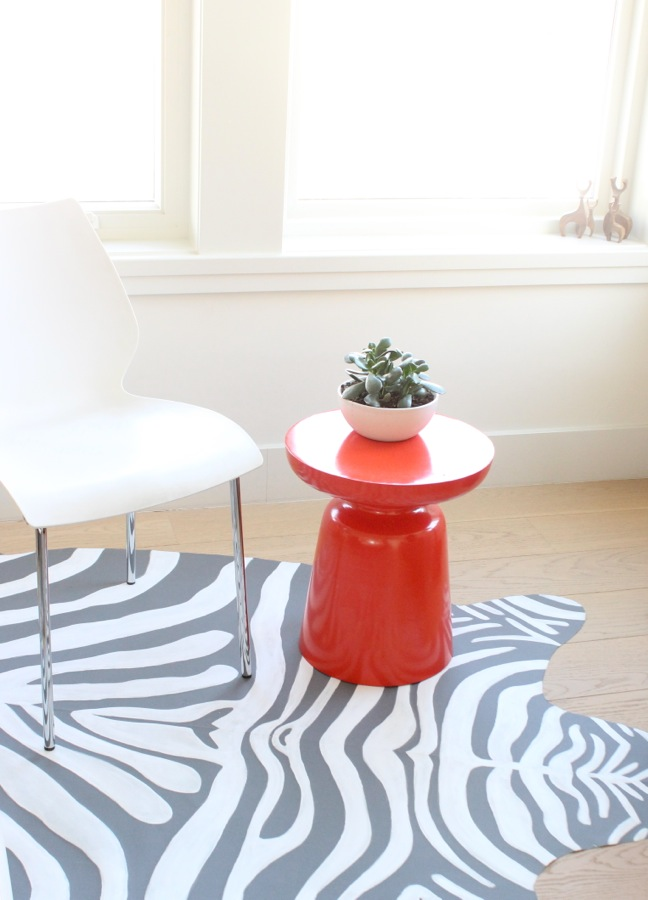 diy-zebra-rug-inspired-home-decor-pop-of-orange