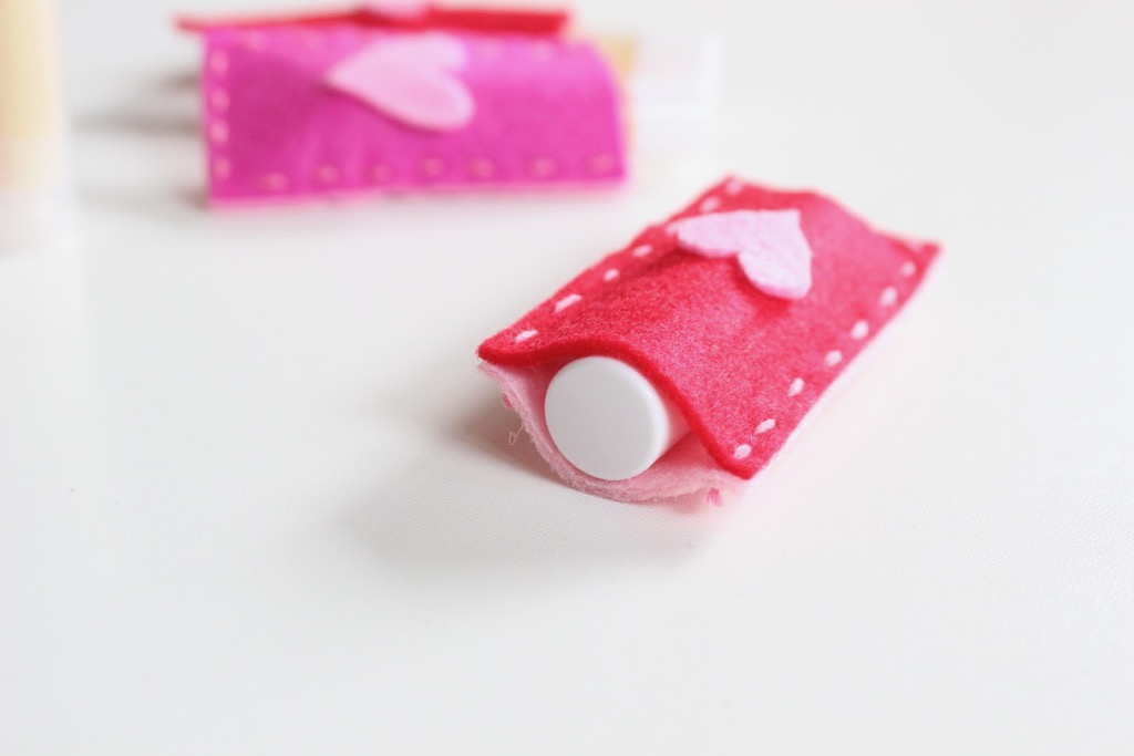 diy-lip-balm-pouches-red-pink-felt-craft