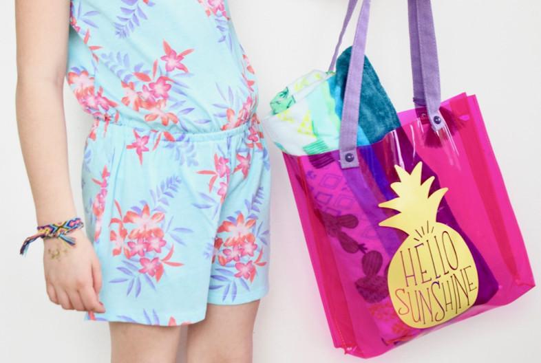 hello-sunshine-diy-pink-and-yellow-pineapple-summer-pool-bag-tropical-vibes