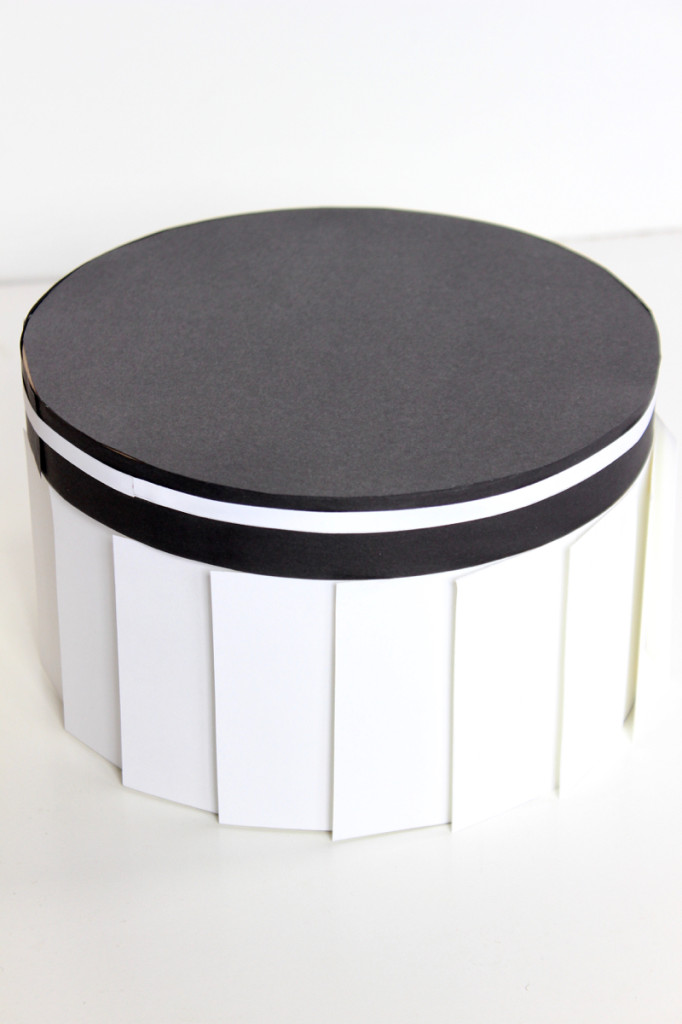 black-white-pleat-box-memories-box-diy-paper-cake