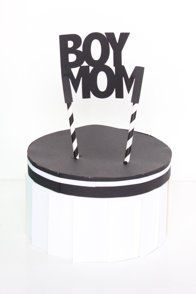 boy-mom-black-white-cake