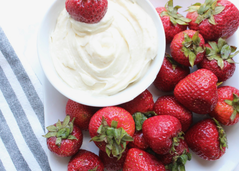 strawberry-cream-cheese-dip