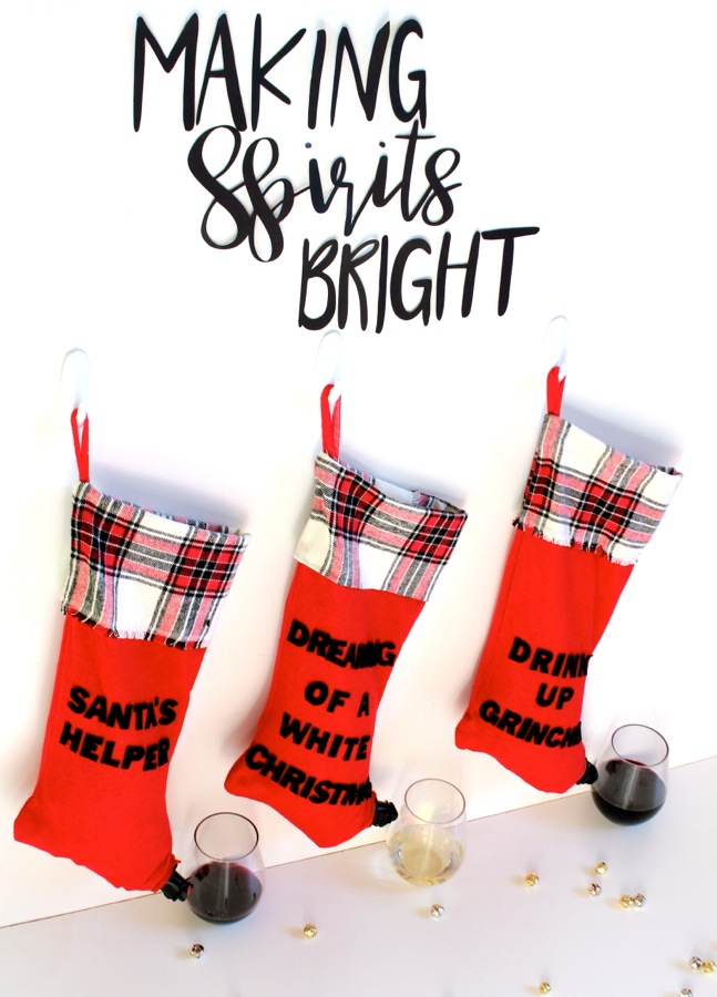 making-spirits-bright-holiday-bar-with-red-wine-stockings