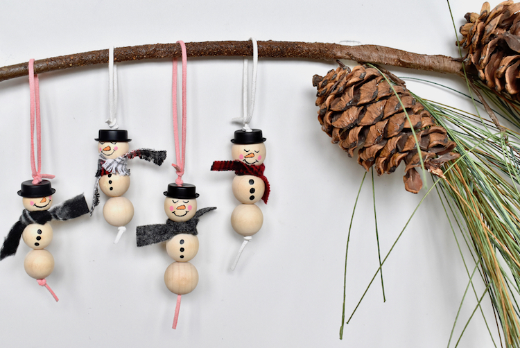 DIY SNOWMEN ORNAMENTS-WOOD-BEADS-CHRISTMAS-CRAFT