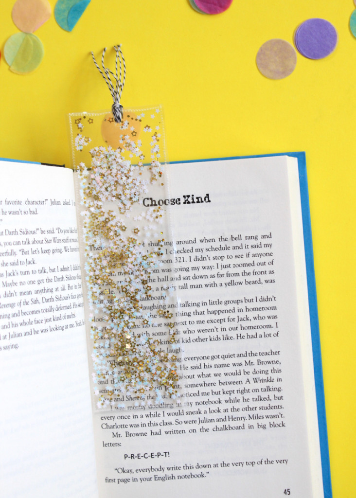 star-confetti-bookmark