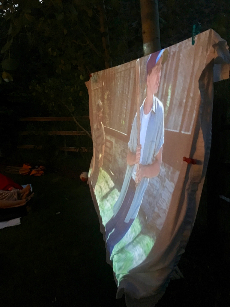 the-sandlot-outdoor-movie-night-diy-movie-screen
