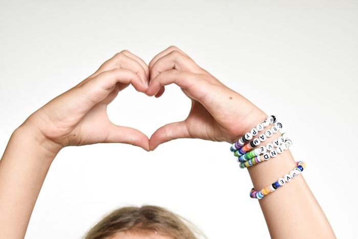 diy word bead bracelet