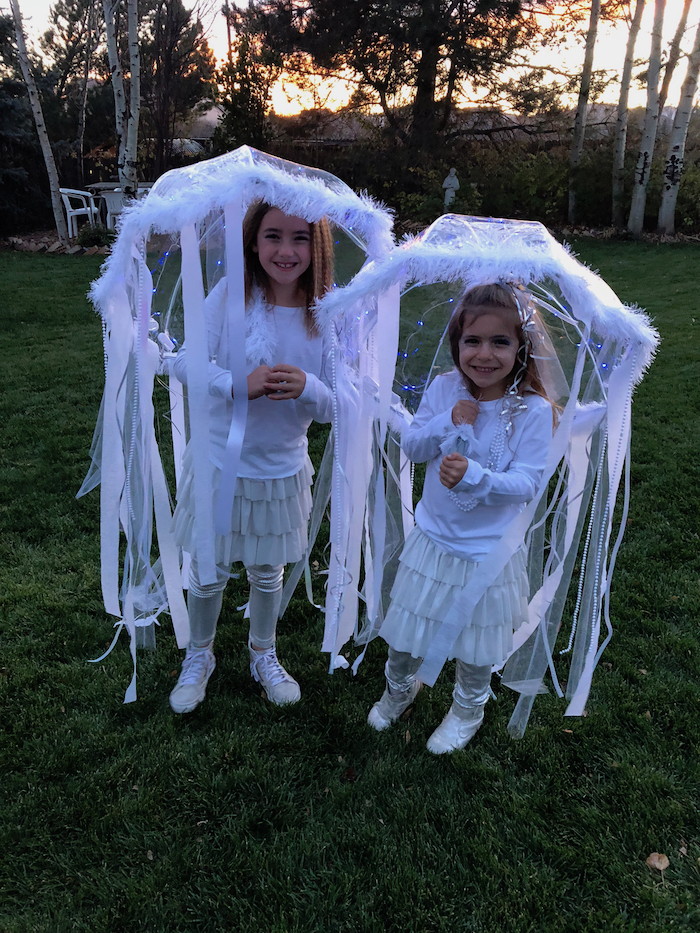 DIY jellyfish costumes