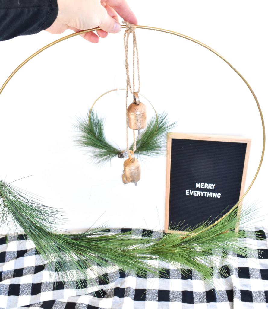 diy modern wreath with bells