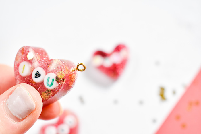 diy resin keychains with glitter and heart sequins