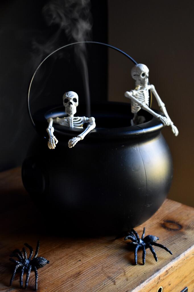 spooky skeleton spa - halloween diffuser with skeletons